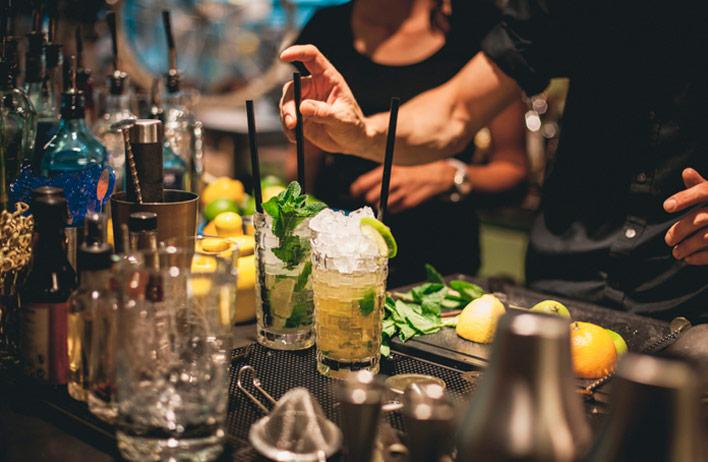 asistente-bar-puesto-bartender
